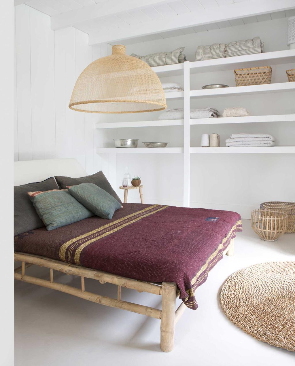 slaapkamer met bamboe bed