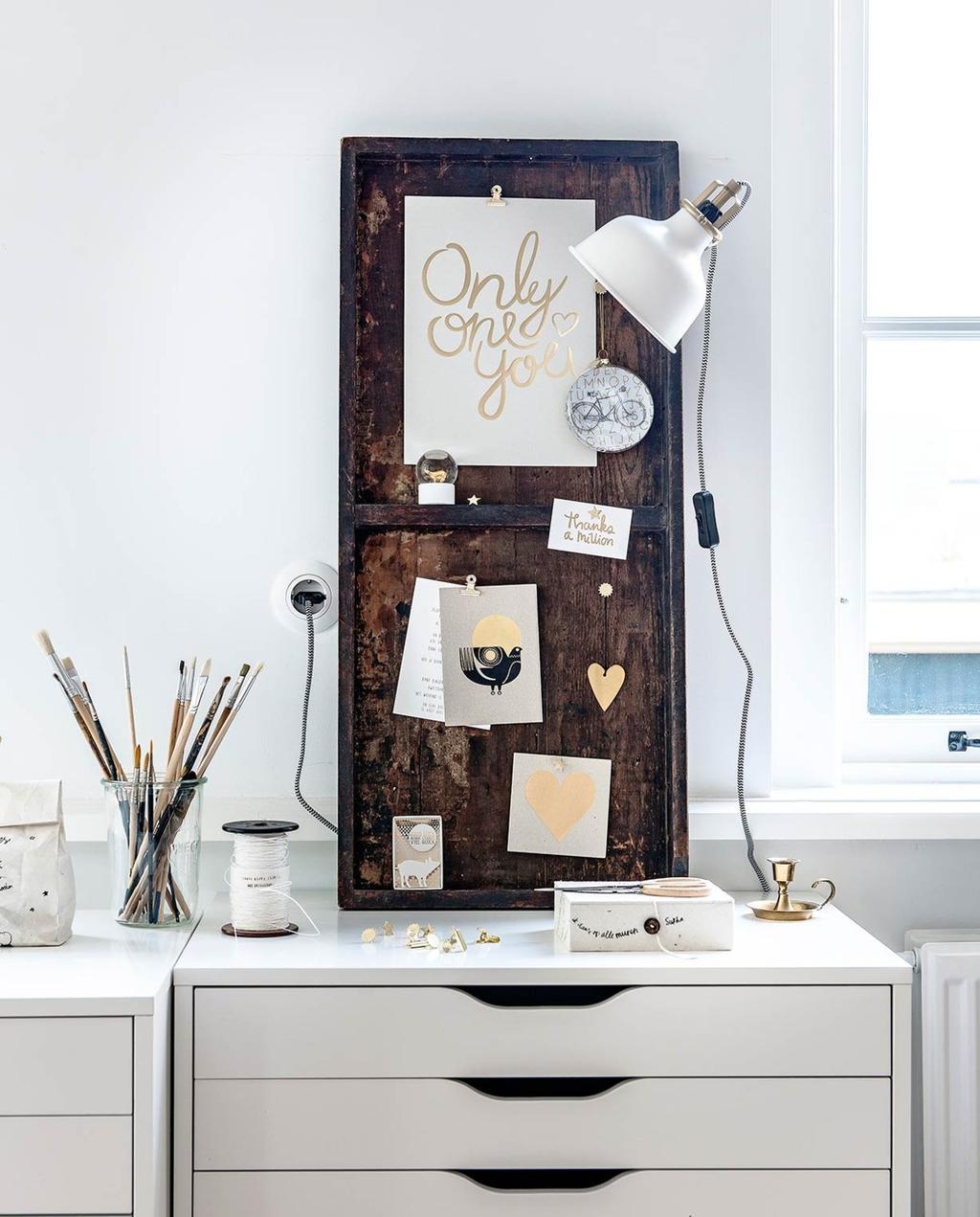 Maak een inspiratiemuur voor bij je thuiswerkplek, keuken of slaapkamer