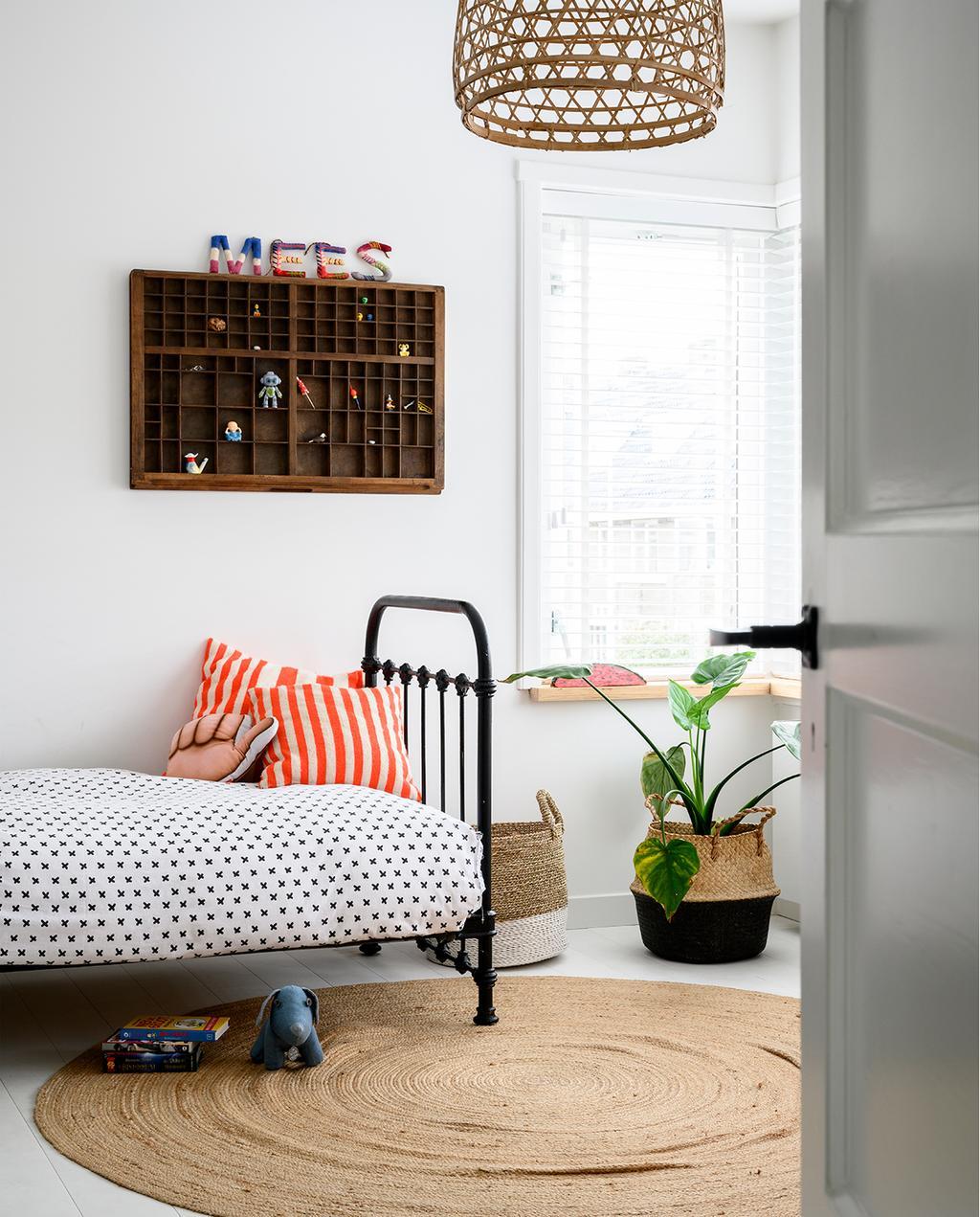 vtwonen 05-2020 | riant familiehuis Breda kinderkamer met eenpersoons bed