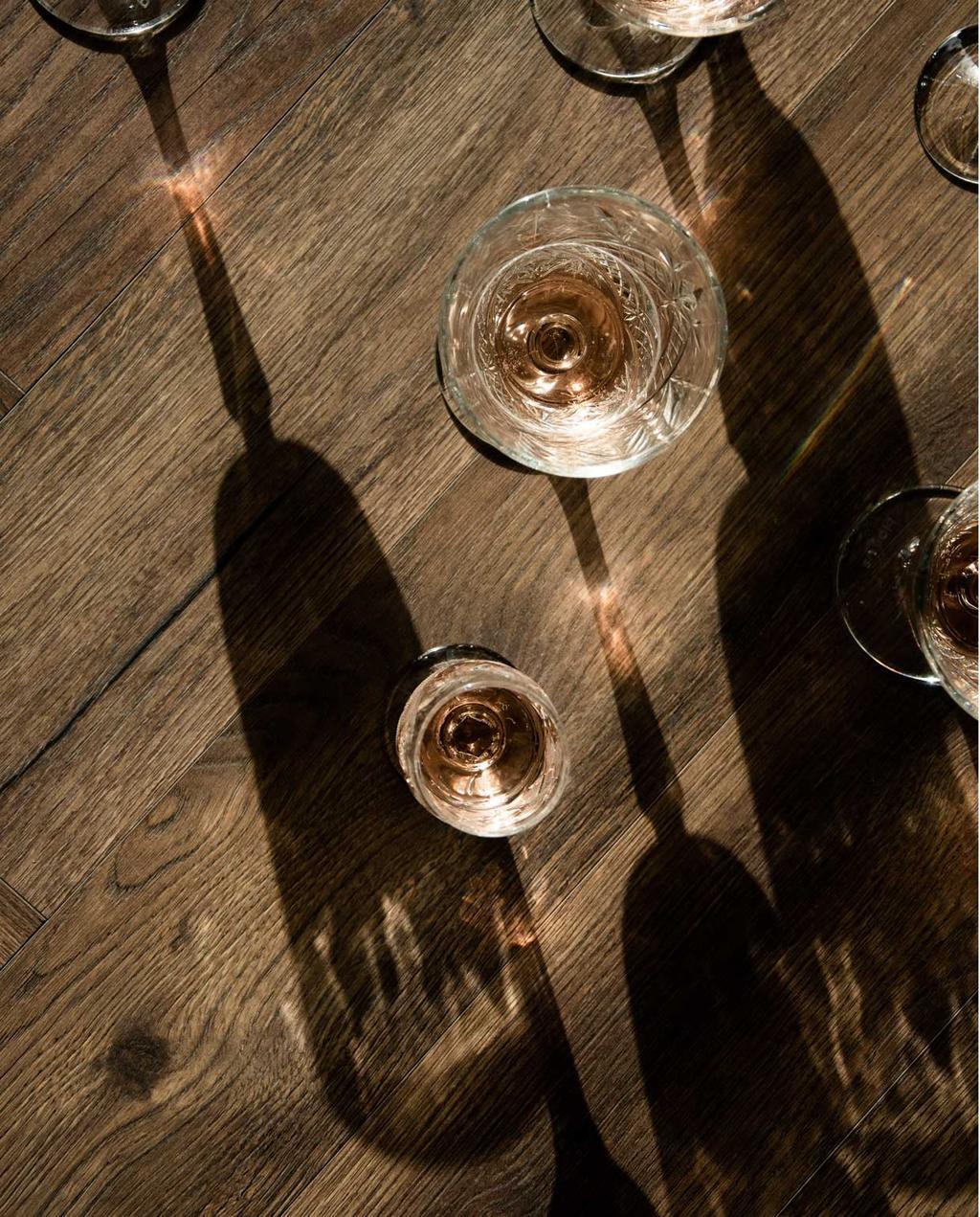 vtwonen | vintage wijnglazen met schaduw