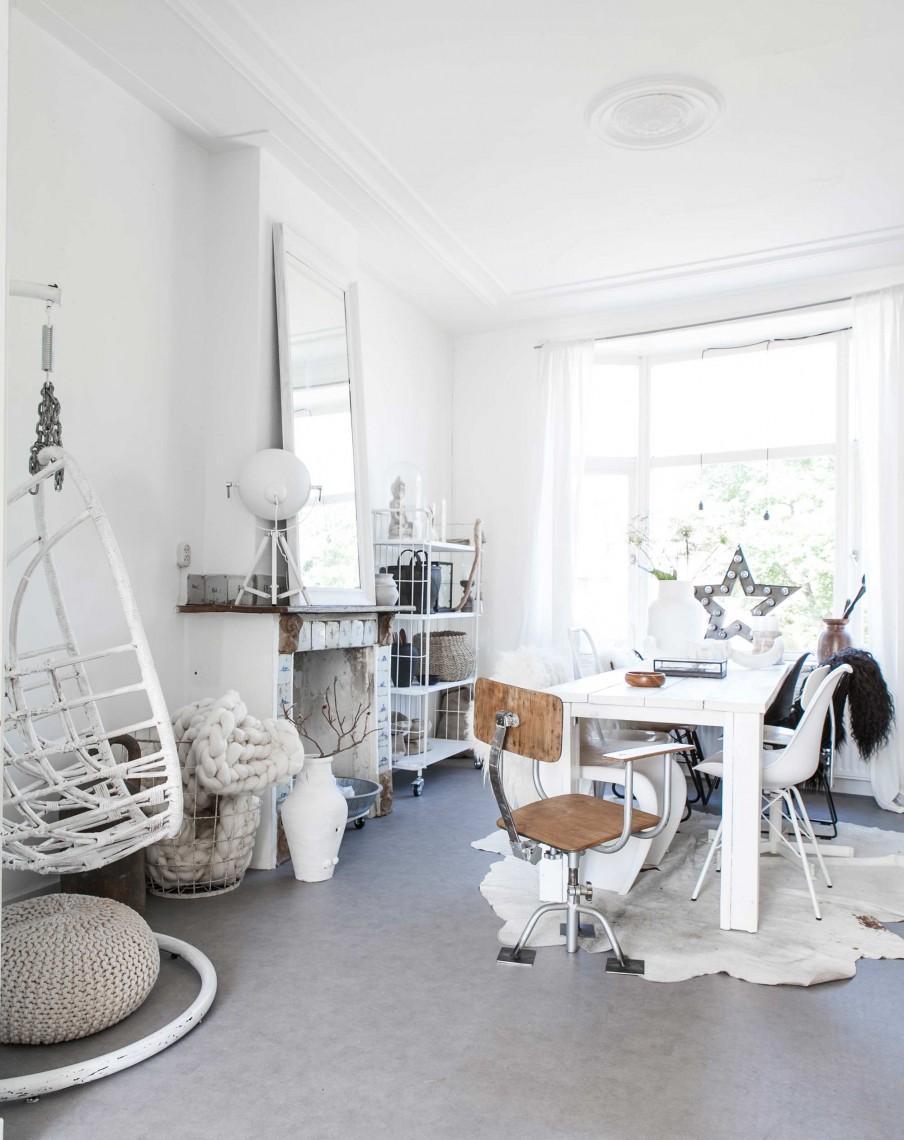 chaise suspendue blanche