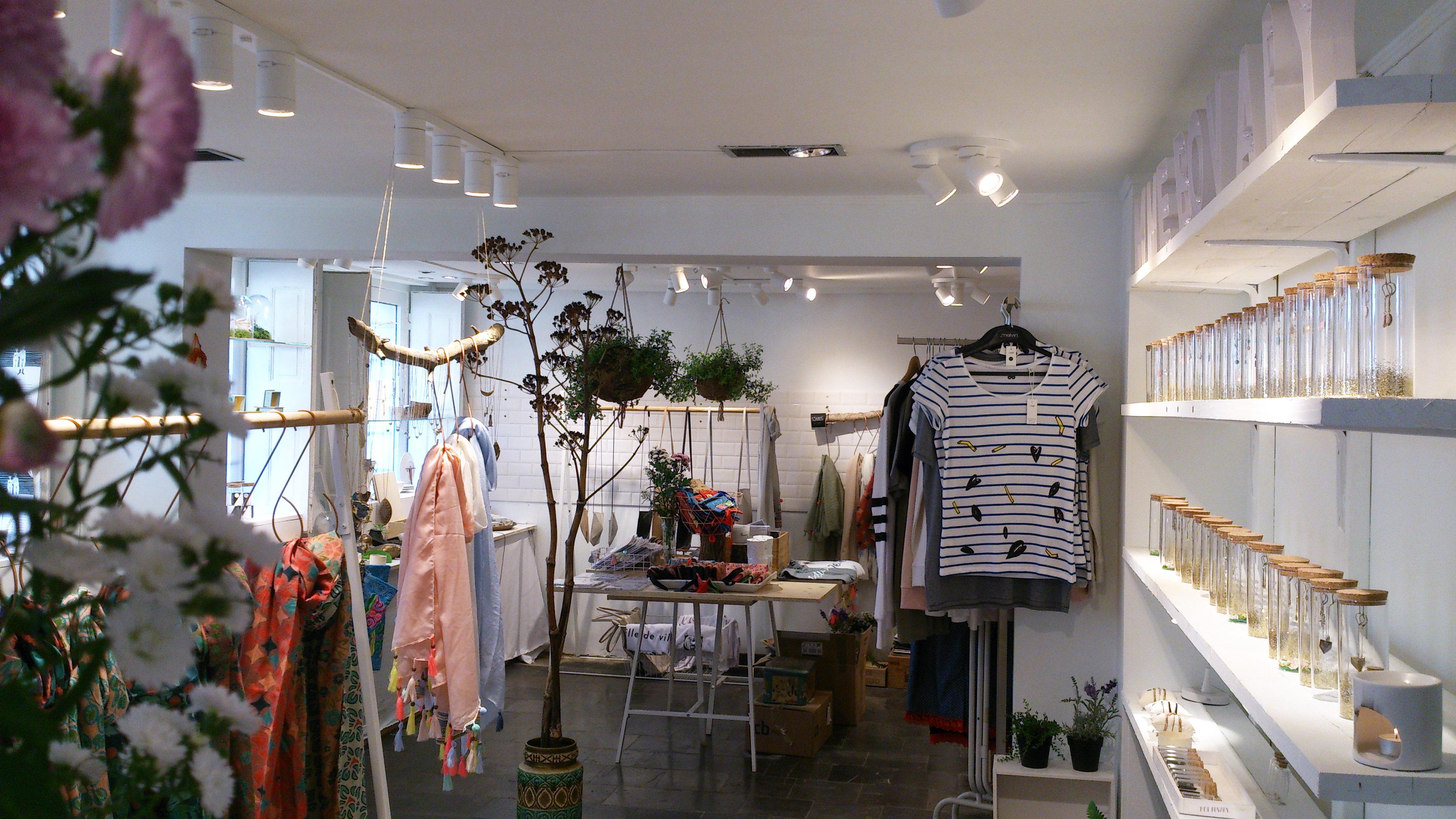 Mme Bovary binnenkant winkel