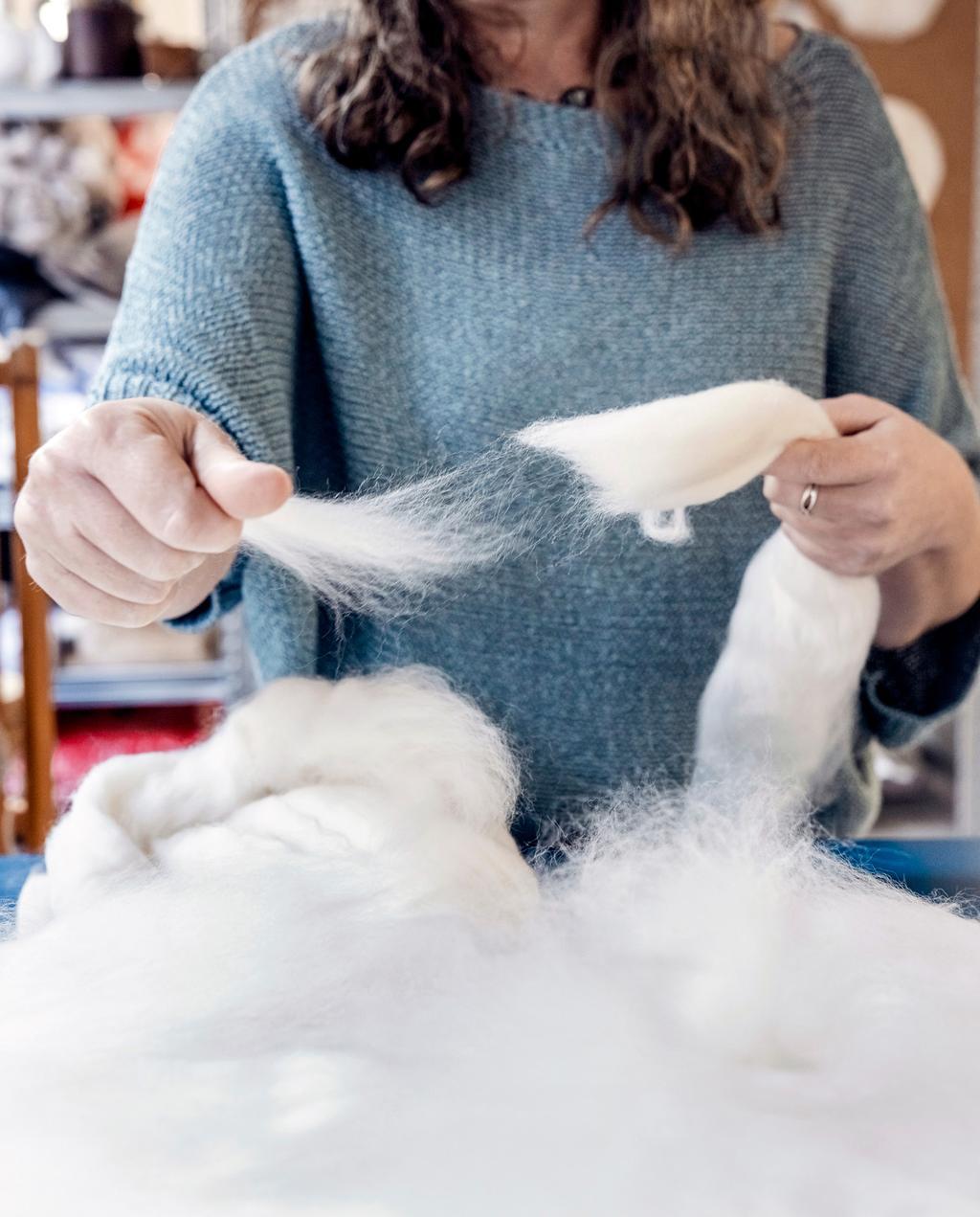 vtwonen 04-2021 | Lilian met wol in handen