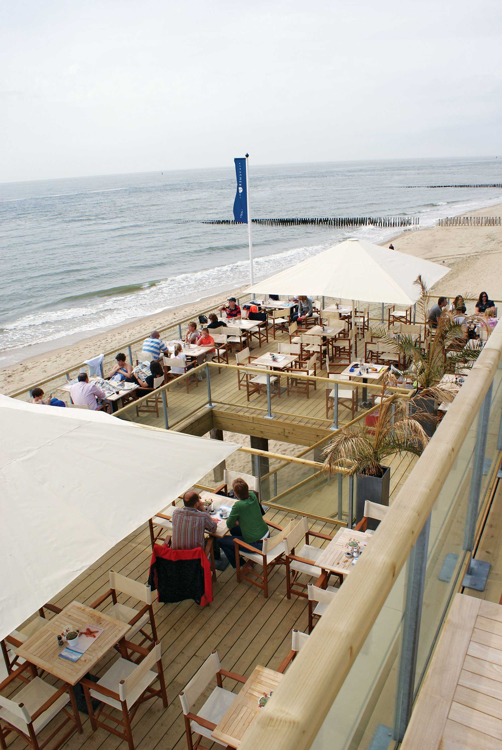 beachclub-westkappelle-strand