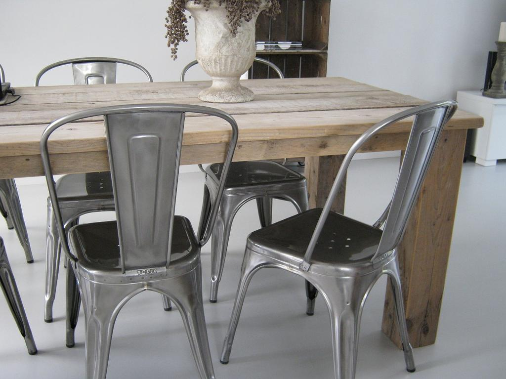 tafel stoelen