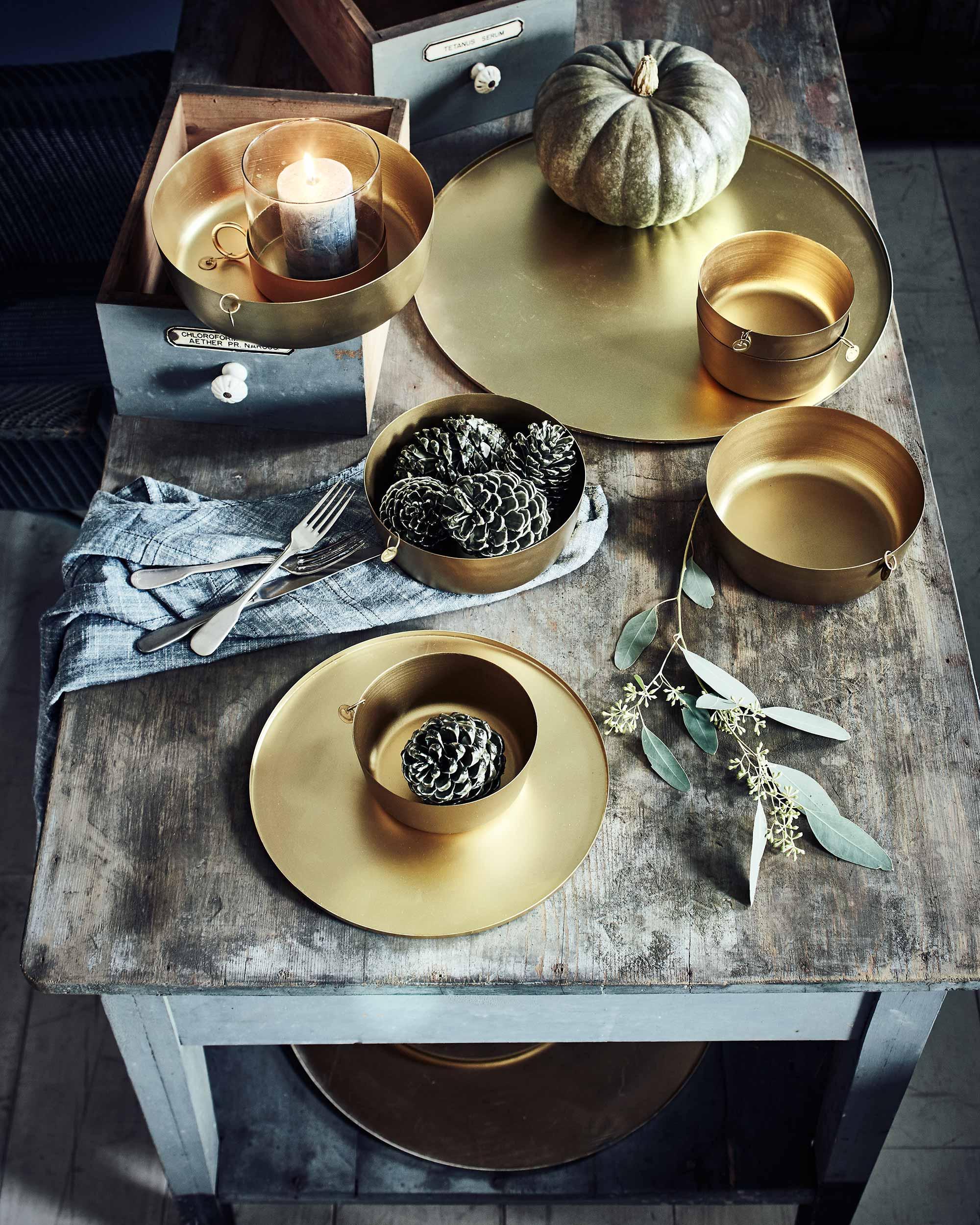 vtwonen kerst goud gedekte tafel