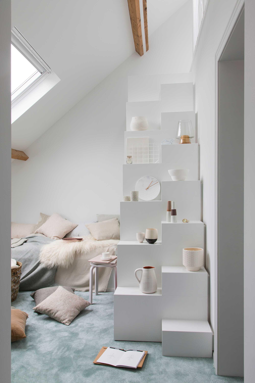 mur escalier blanc cassé