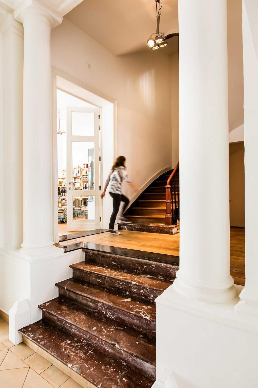 escalier marbre les filles