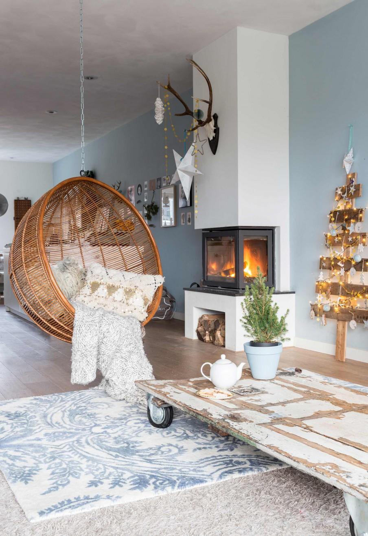 chaise suspendue cheminee sapin bois