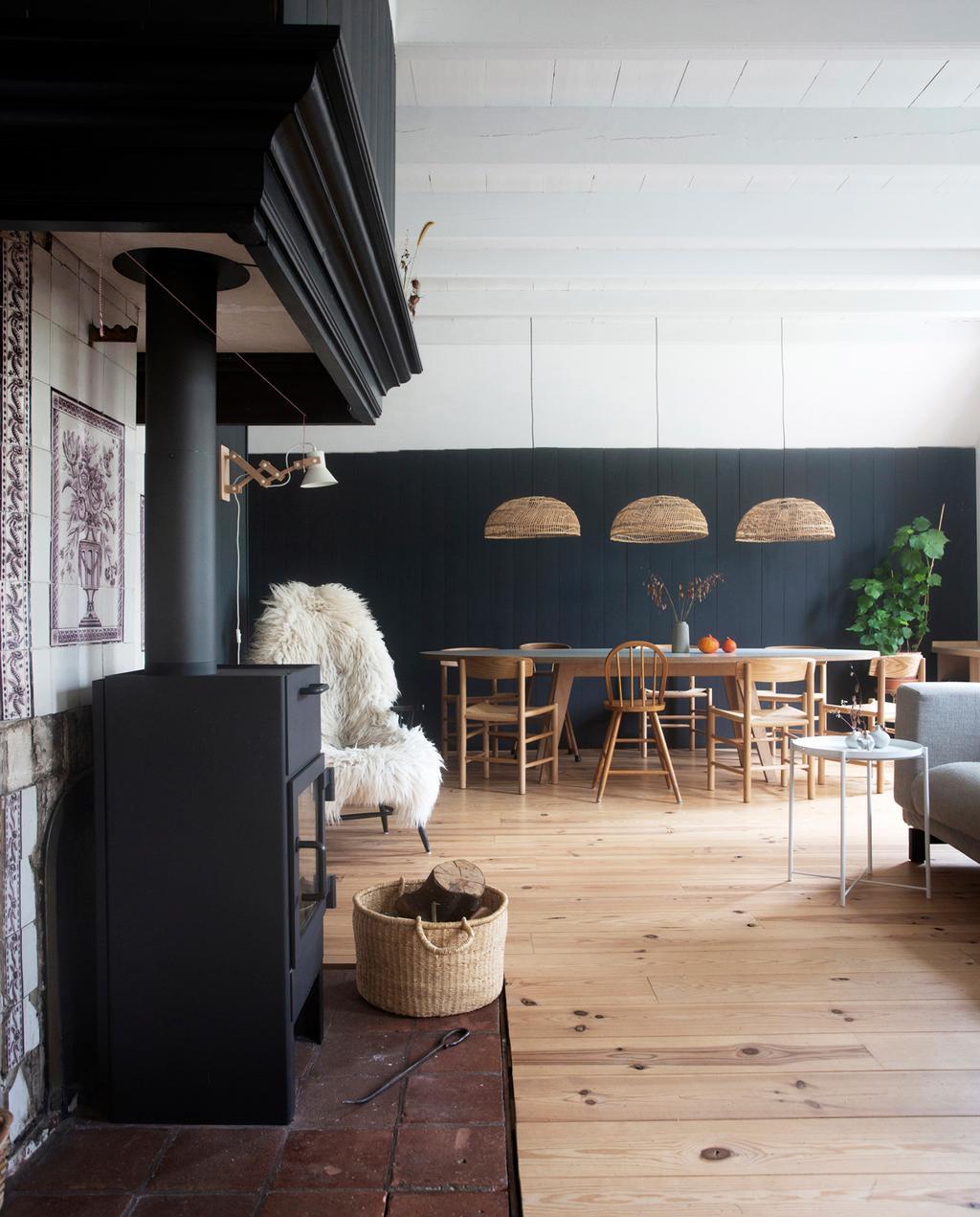 vtwonen 13-2019 | Binnenkijken in een monumentale boerderij in Soest woonkamer
