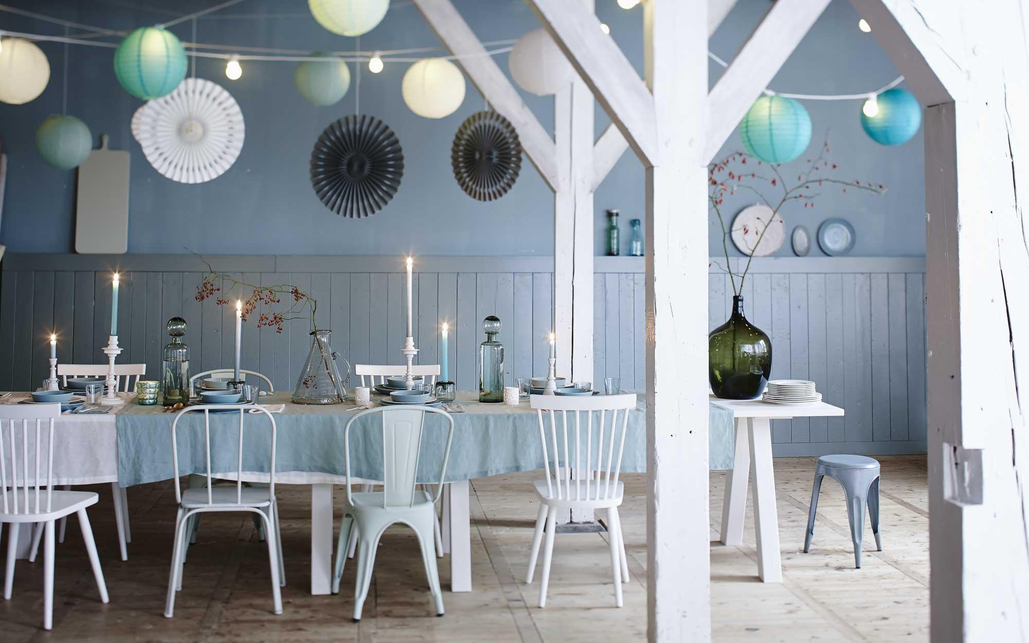 kerst-tafel-lampen-stoelen