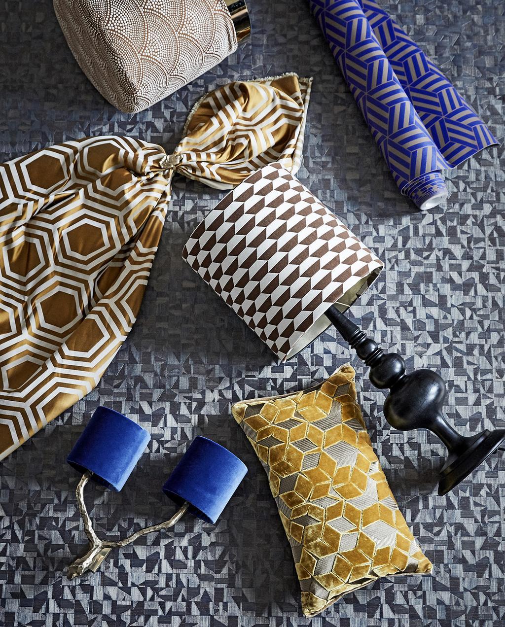 vtwonen 03-2020 stof verf & behang | stoffen met patroon en houten zwarte lamp