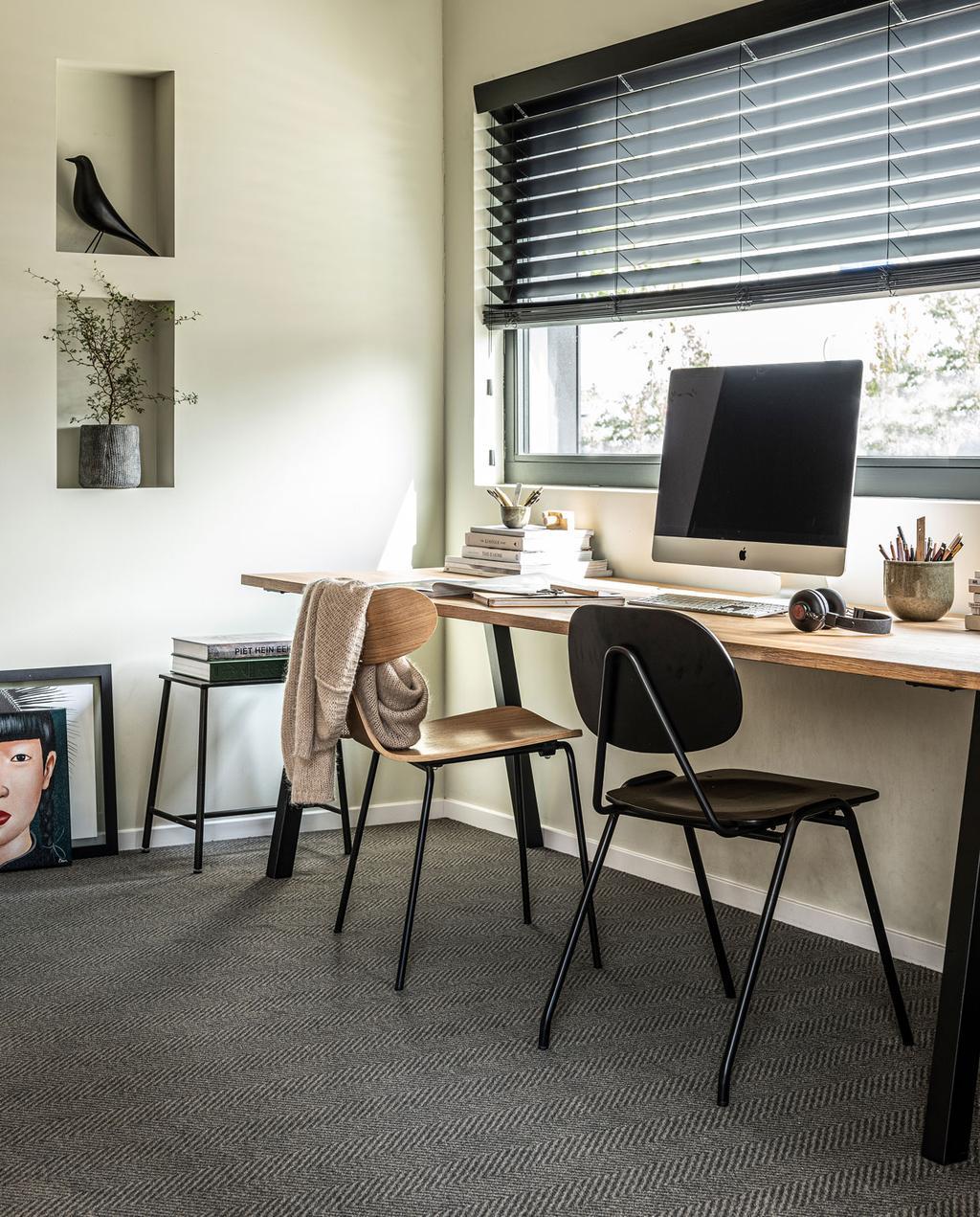 vtwonen 11-2019 | nieuwe vloerkelden & tapijt collectie 2019 werkkamer grijs tapijt