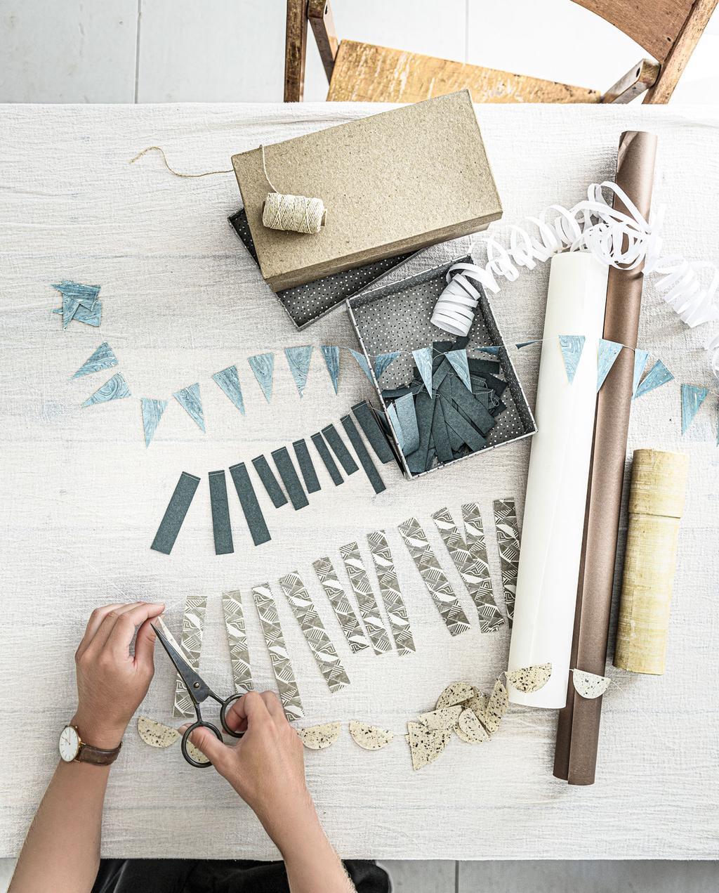 DIY special 2 | papieren sfeermakers blauwe en grijze vlaggetjes van papier