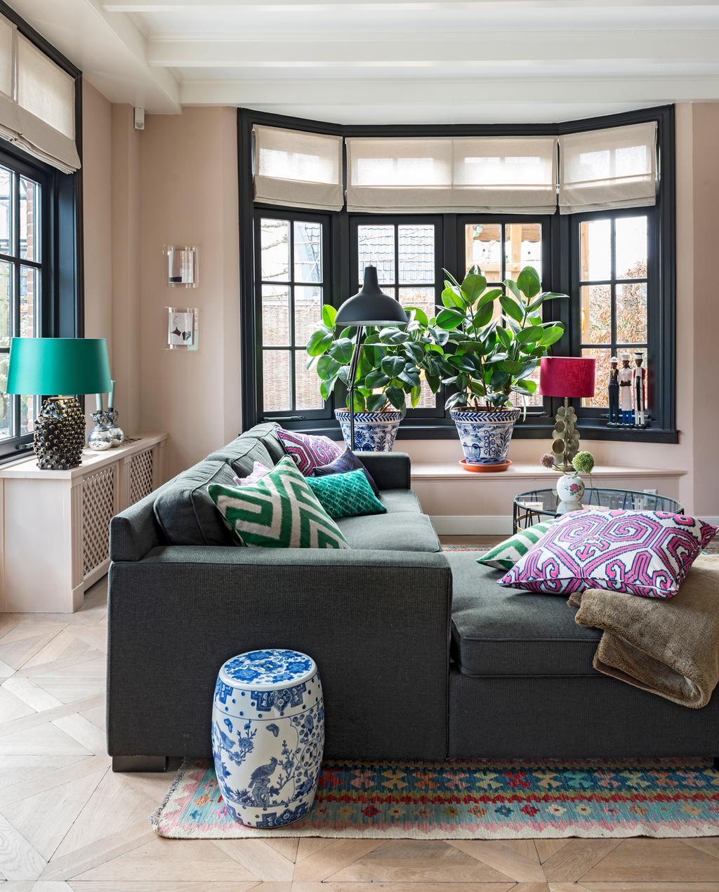 vtwonen binnenkijken special 2019 | binnenkijken in jaren twintig huis in Wassenaar woonkamer