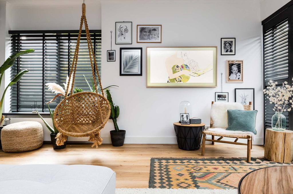 fotowand televisie in lijst hangstoel fauteuil