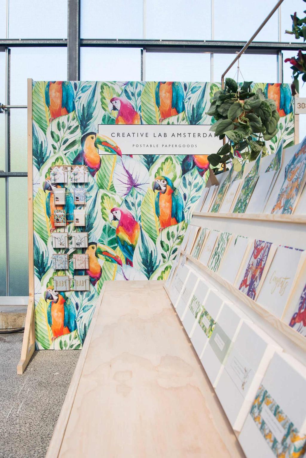 Behang van Creative Lab met REMADE with love op showUP