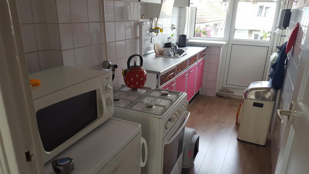 zo-zag-mijn-keuken-er-tot-februari-2017-uit-dat-ik-hier-9-jaar-lang-gekookt-heb-is-nu-nog-moeilijk-voor-te-stellen-er-was-weinig-werkruimte-en-door-de-vele-hoeken-en-gaten-was-het-lastig-schoon-te-houden