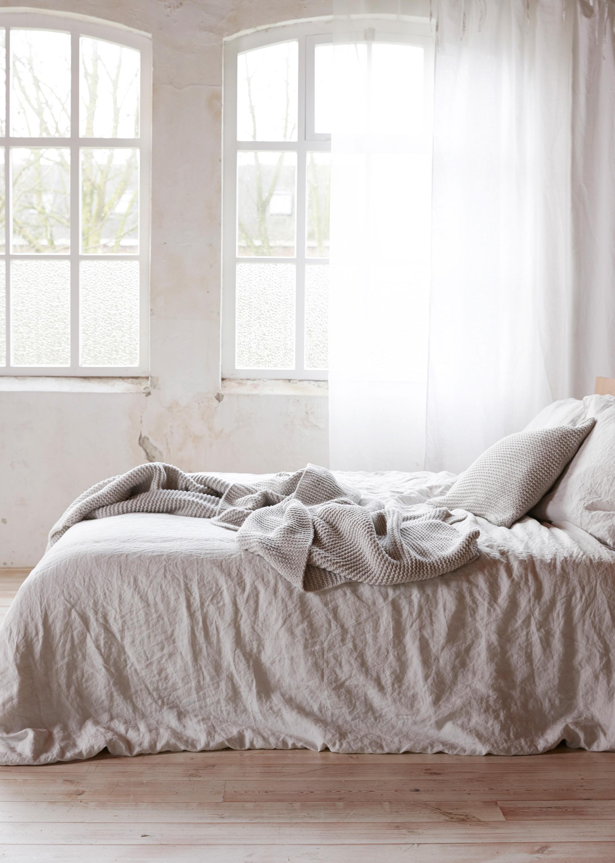 Lichte basic slaapkamer