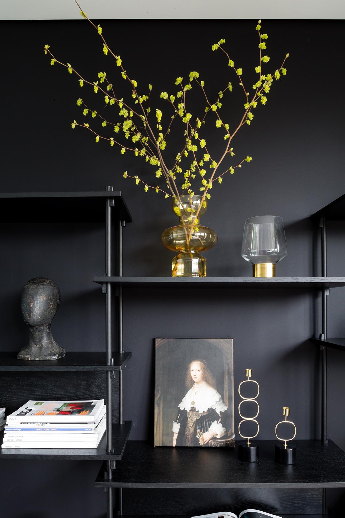 zwarte wand decoratie groene plant Flexa kleurtester