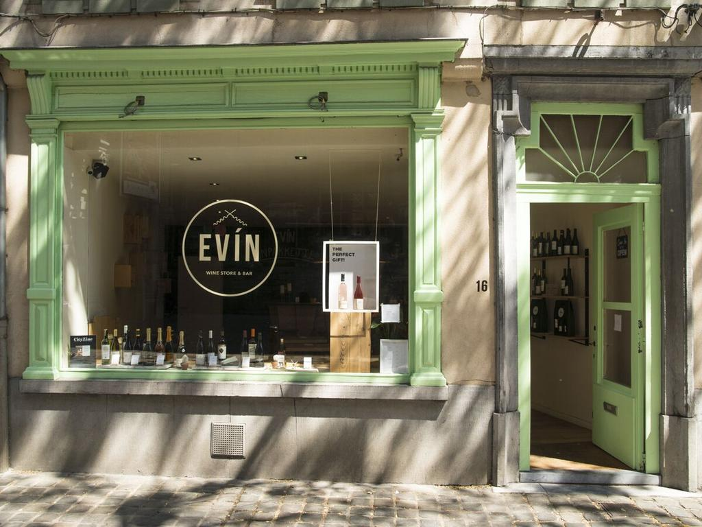 EVIN wine bar hotspot