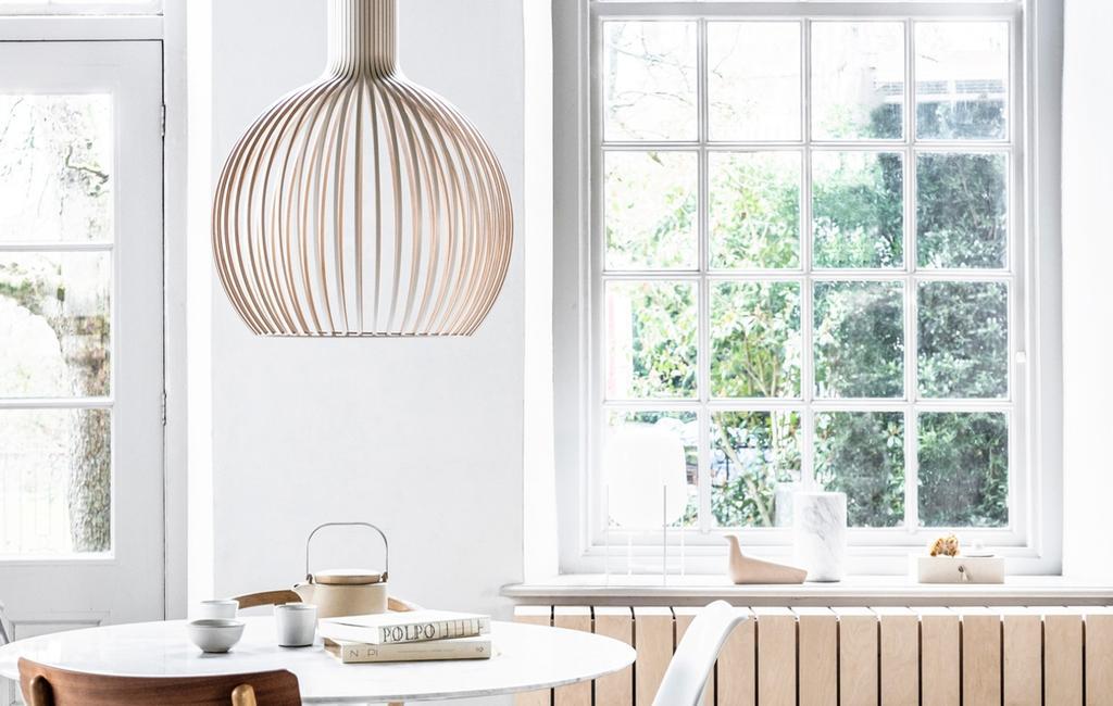 kozijnen | hanglamp | radiatorbekleding |diy | hout | radiatorombouw