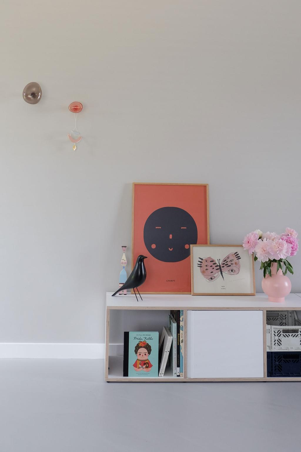 Voeg vrolijke kleurencombinaties aan je interieur toe met de posters van MADO.