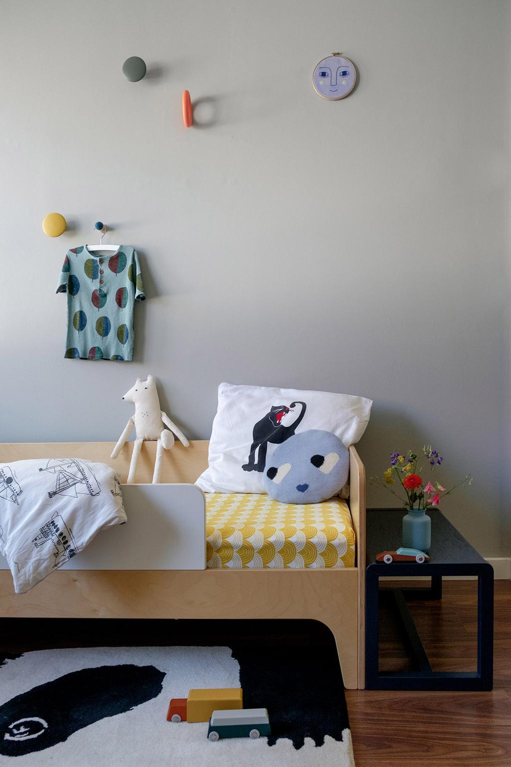 Kinderkamer met geel beddengoed van Swedish Linens