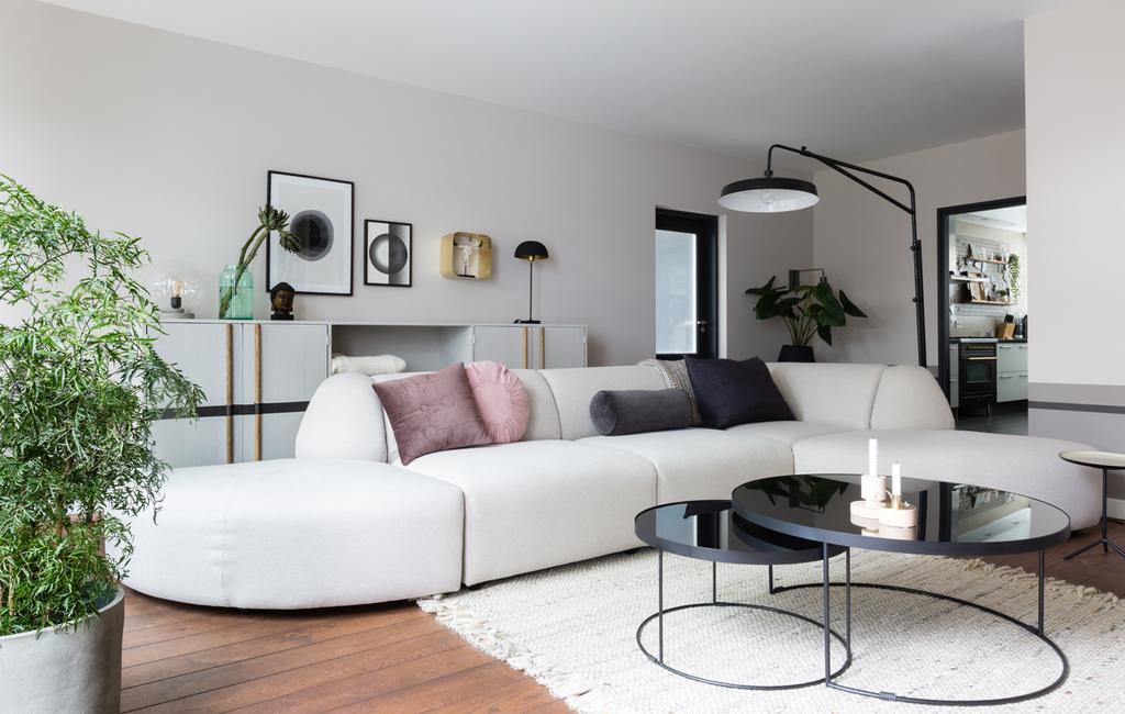 vtwonen weer verliefd op je huis | seizoen 11 aflevering 8 | fotografie Barbara Kieboom | styling Fietje Bruijn | bank met ronde vormen