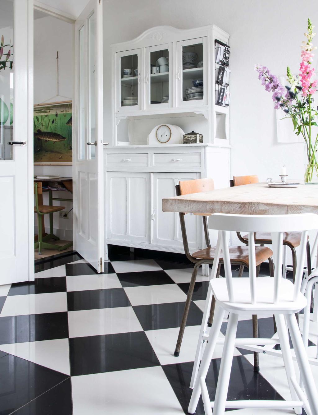 Keuken met zwart-witte tegels - Soorten tegels