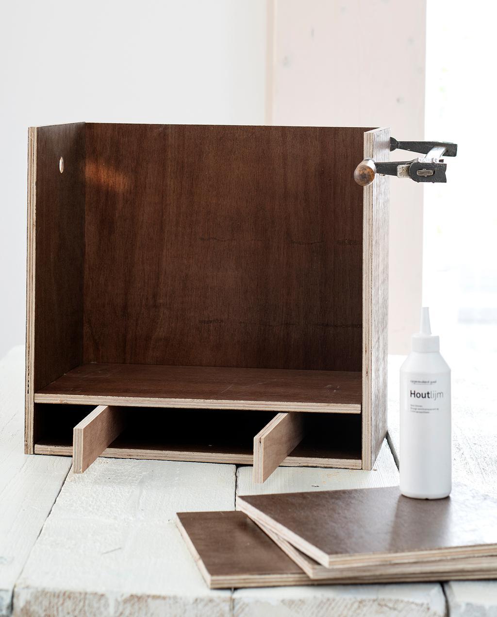 vtwonen 04-2021 | de workstation met hout en houtlijm