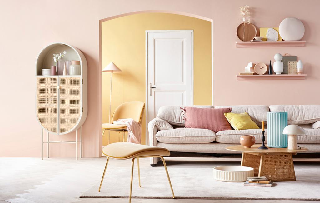 vtwonen | kleur in huis | roze woonkamer