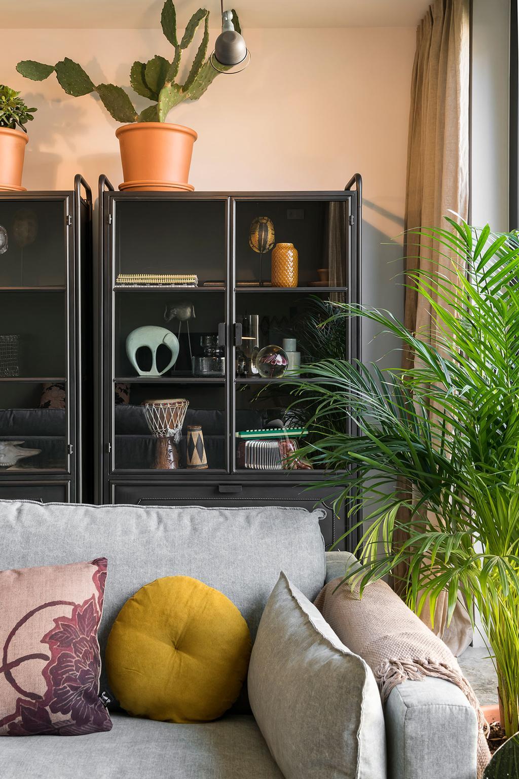 De zetel van Lies en Matthias uit de derde aflevering van het tweede seizoen van Een frisse start met vtwonen.