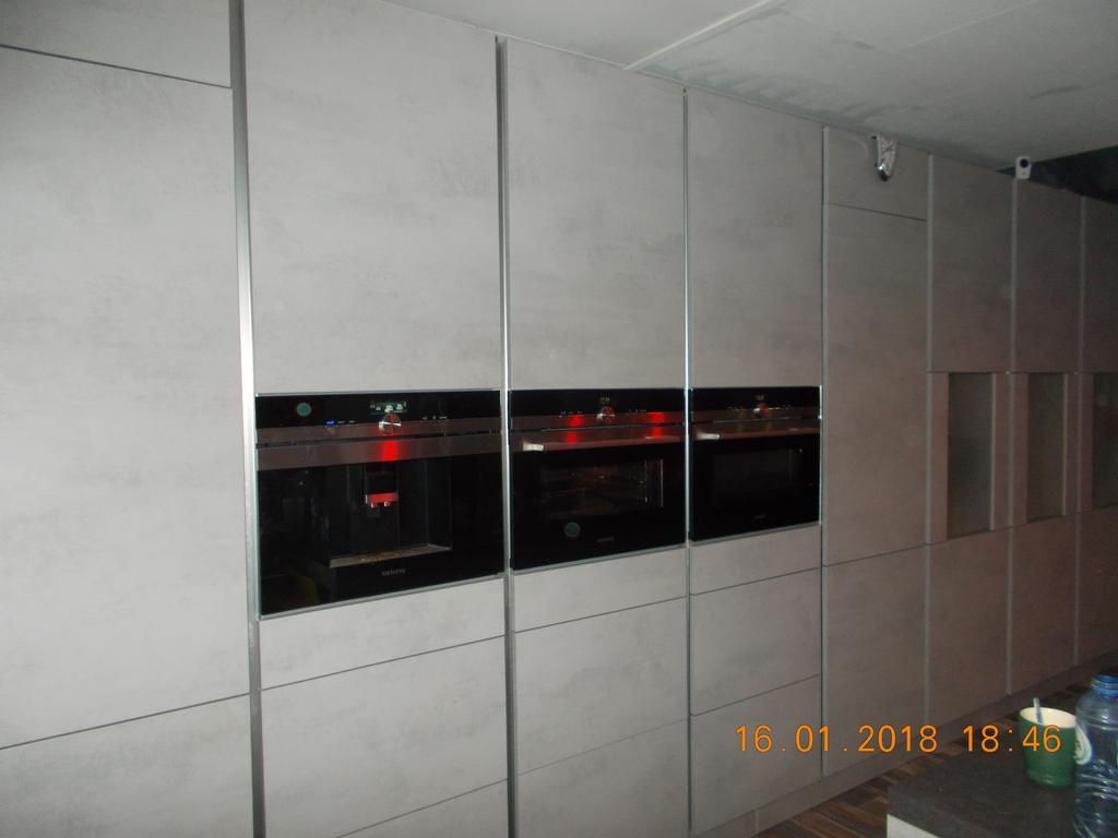onze-inbouw-koffiezetapparaat-stoomoven-en-combi-magnetron
