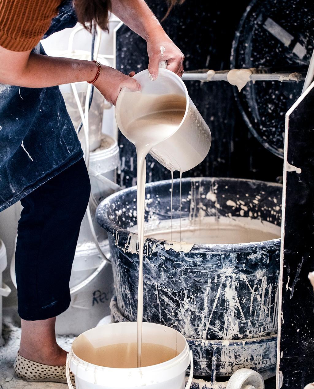 vtwonen DIY special 01 2020 | vloeibaar porselein gieten in emmers