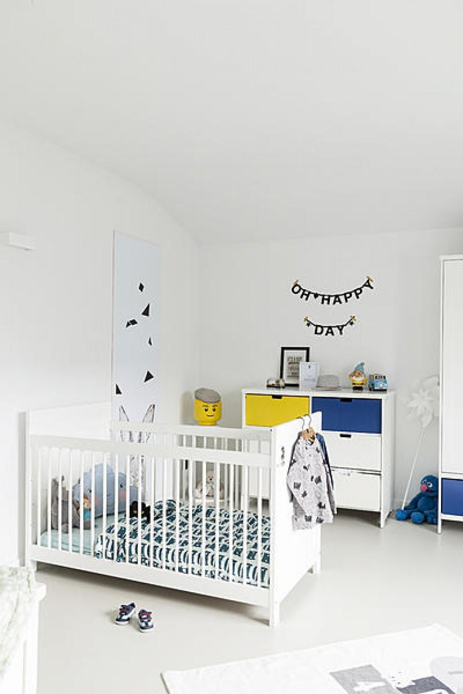 chambre enfant bleu blanc