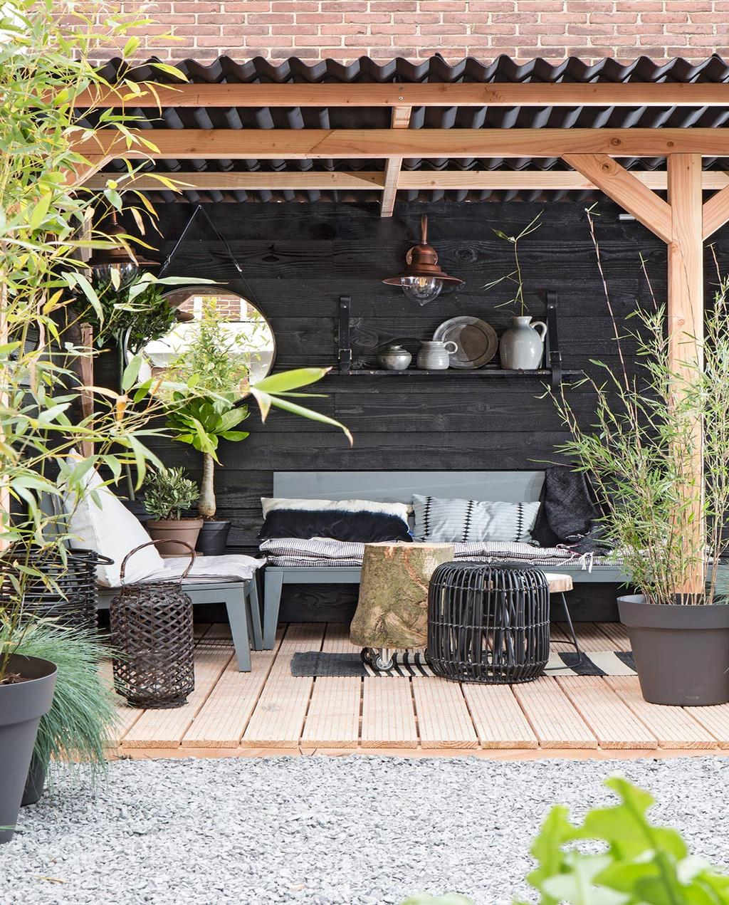 tuin-veranda-schutting-erfafscheiding-overkapping-tuinmeubel-vtwonen