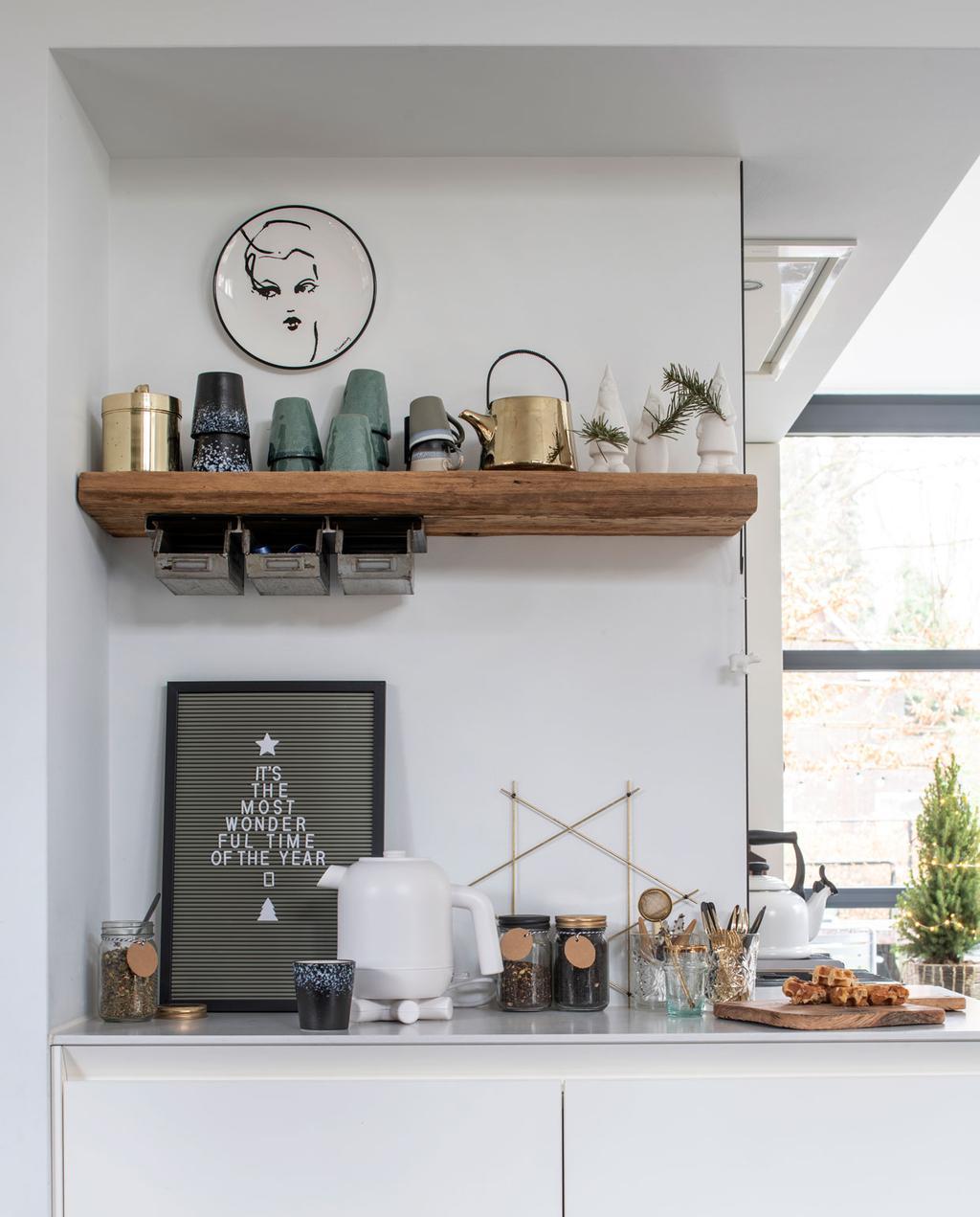 vtwonen 12-2019 | Binnenkijken in een vrijstaand huis in Geleen keuken closeup