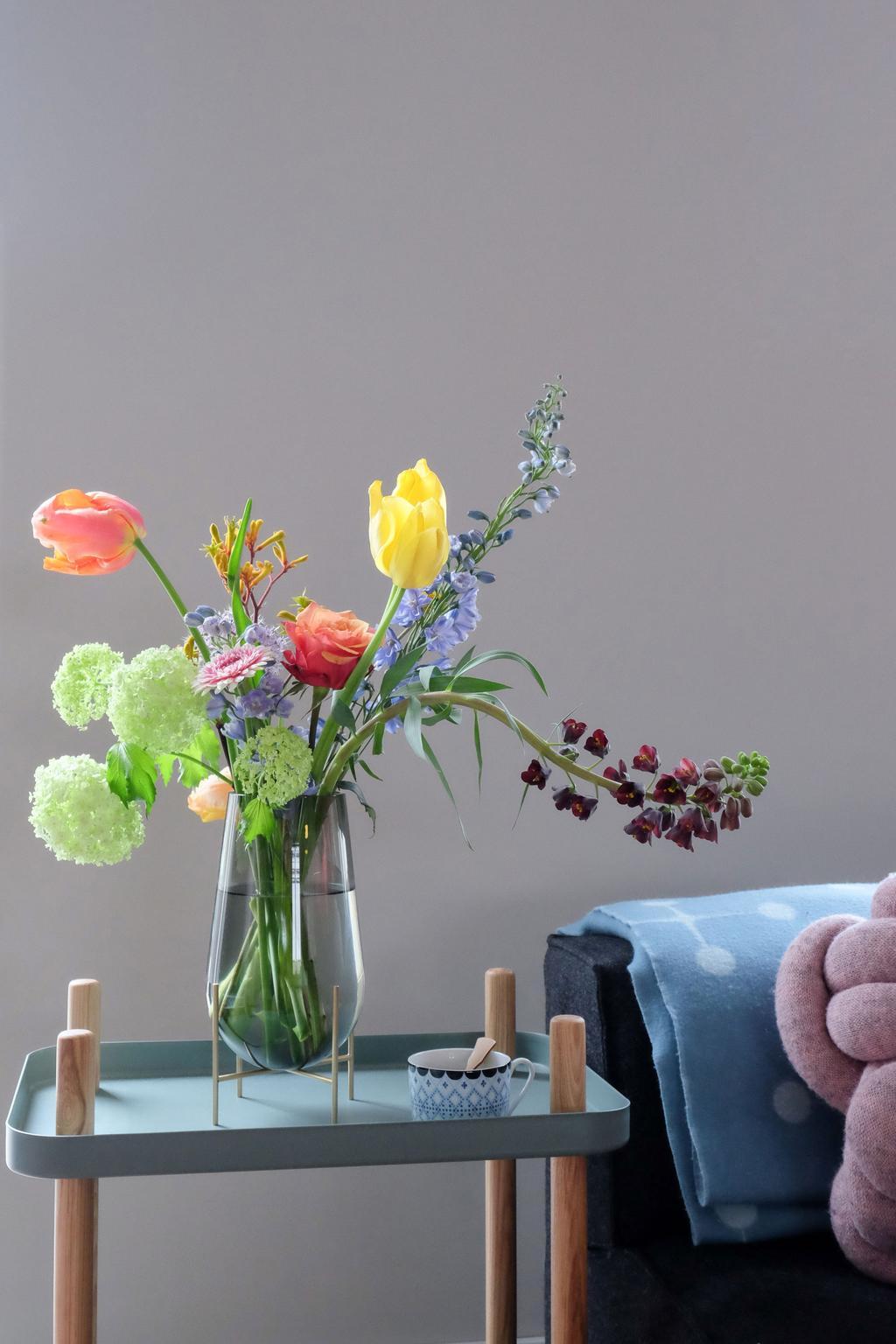Glazen Échasse vaas op pootjes van Menu uit de collectie designvazen van PRCHTG