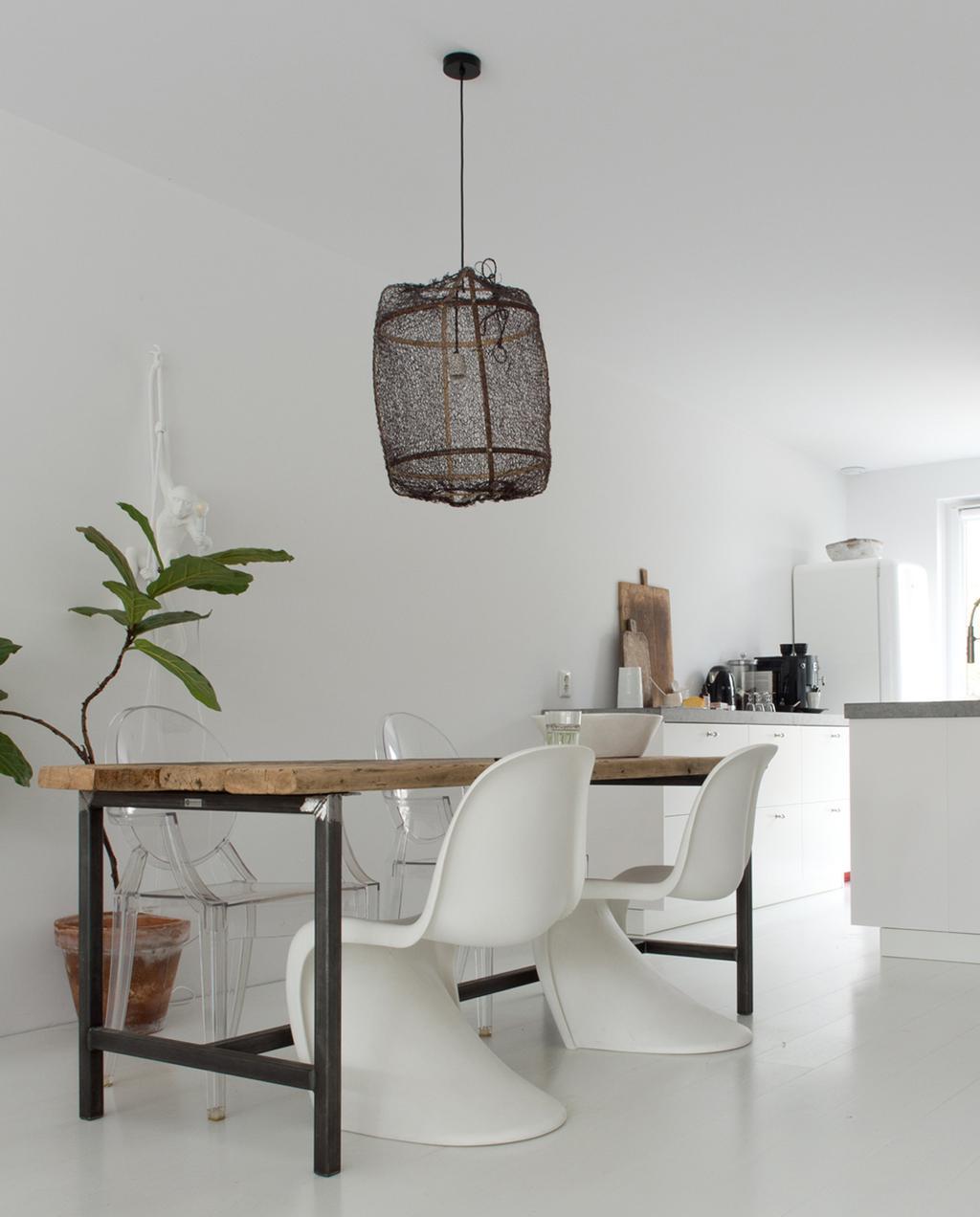 vtwonen 12-2019 binnenkijken special | vrijstaand nieuwbouwhuis in Almere eetkamer