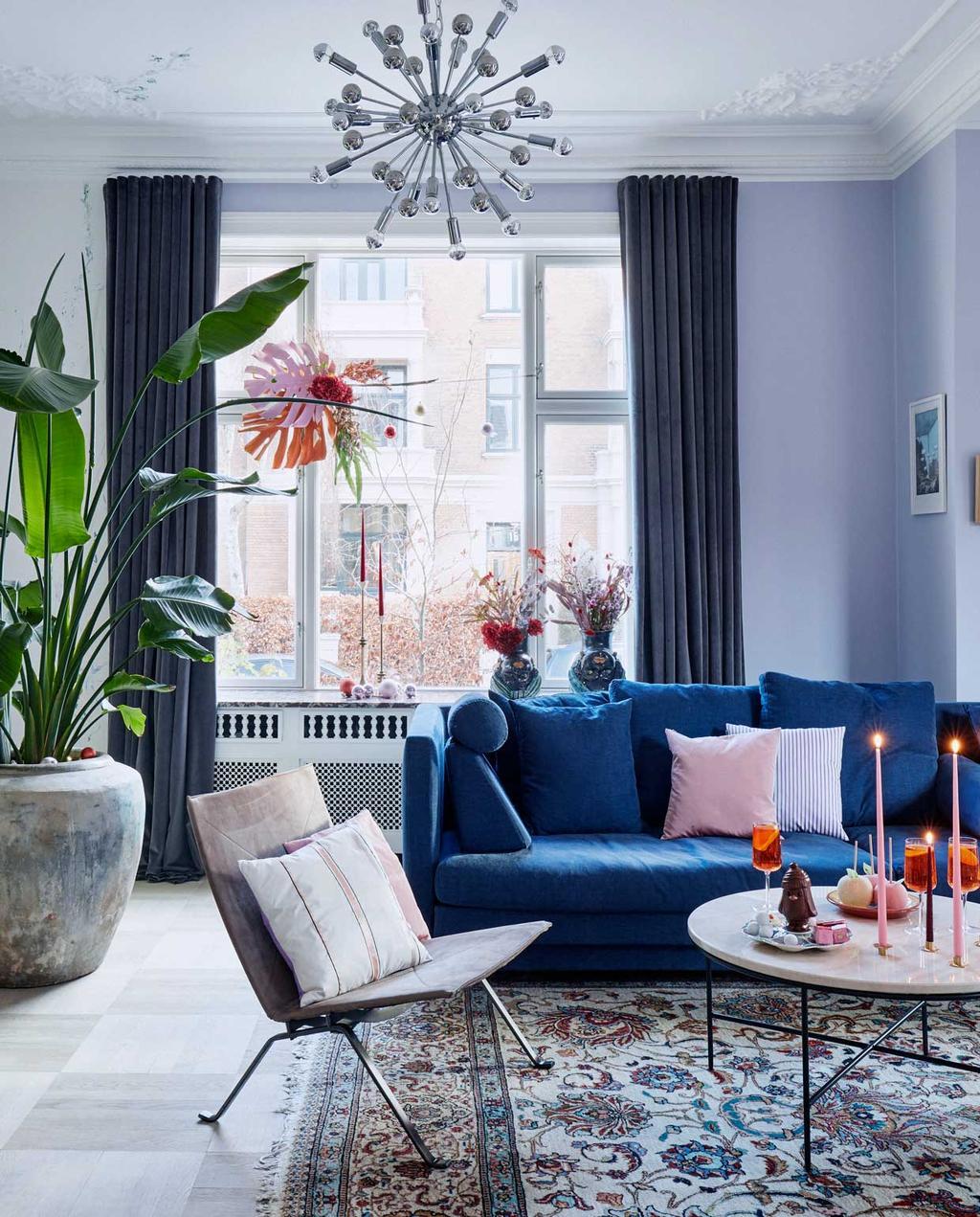 vtwonen 12-2020 BK special | binnenkijken in een kersthuis met kleurrijke woonkamer