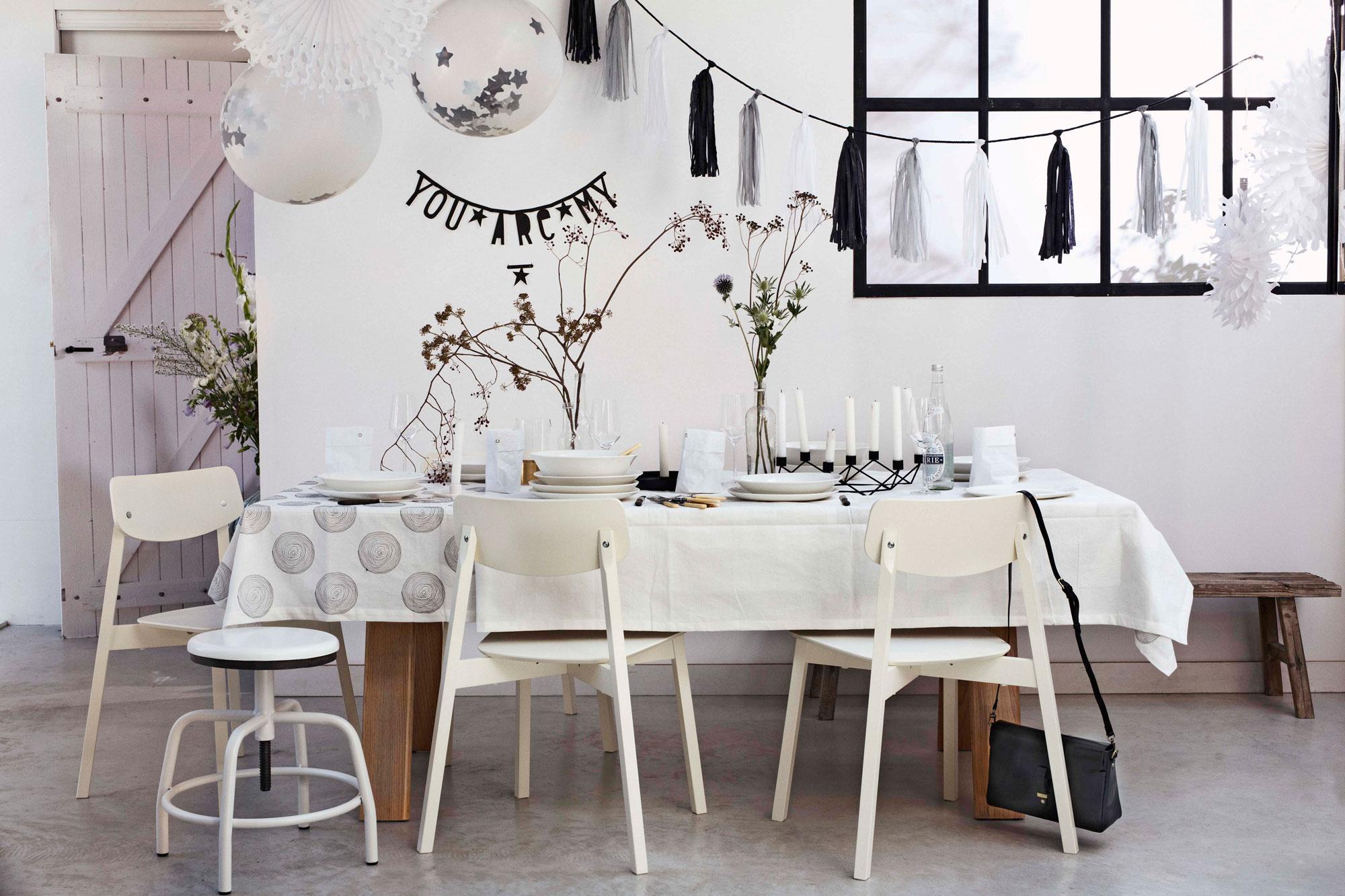 slingers boven tafel