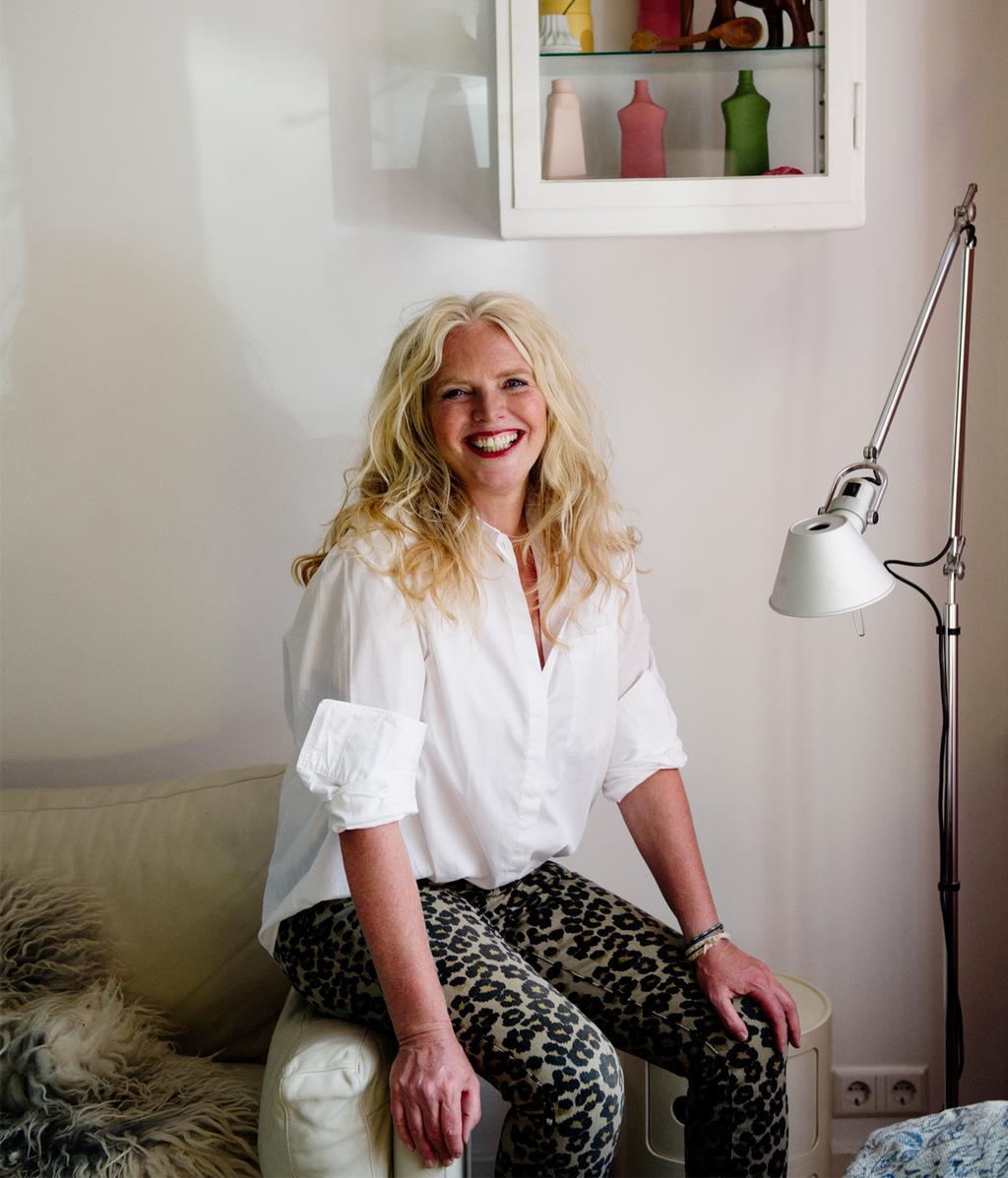 Nicolette Fox