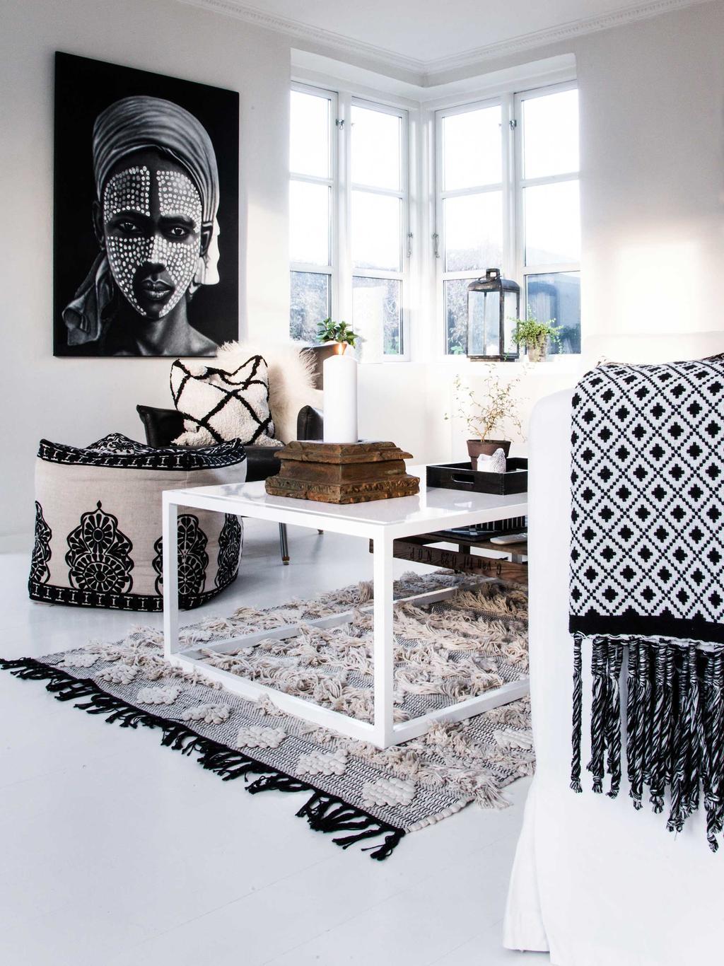 table d'appoint déco noir et blanc