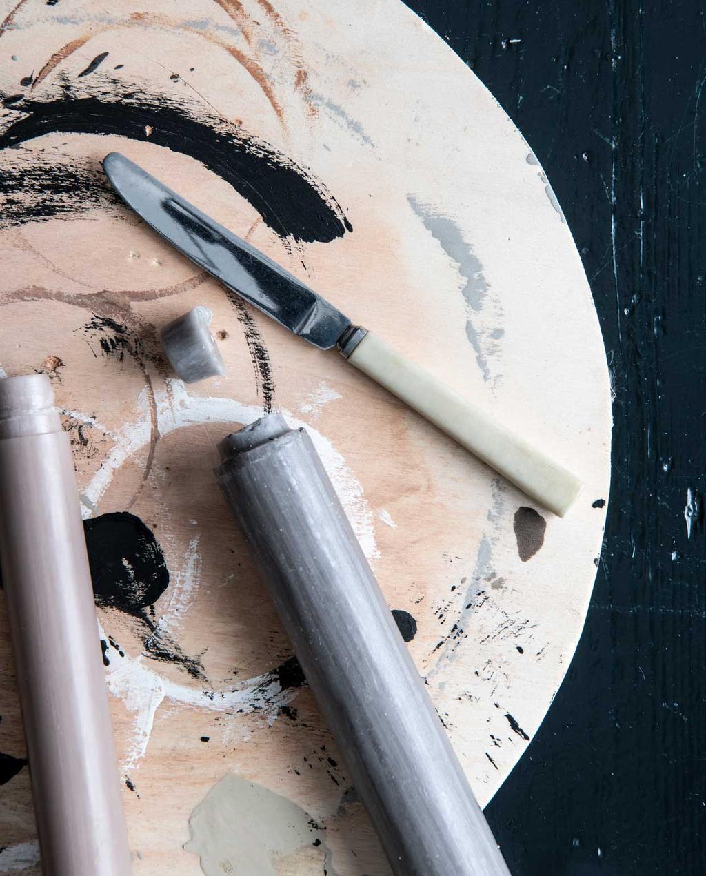 vtwonen 12 - DIY M kandelaar kaarsen snijden