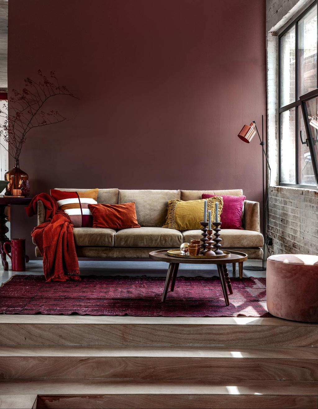 Herfst interieur in een woonkamer met spicy kleuren.