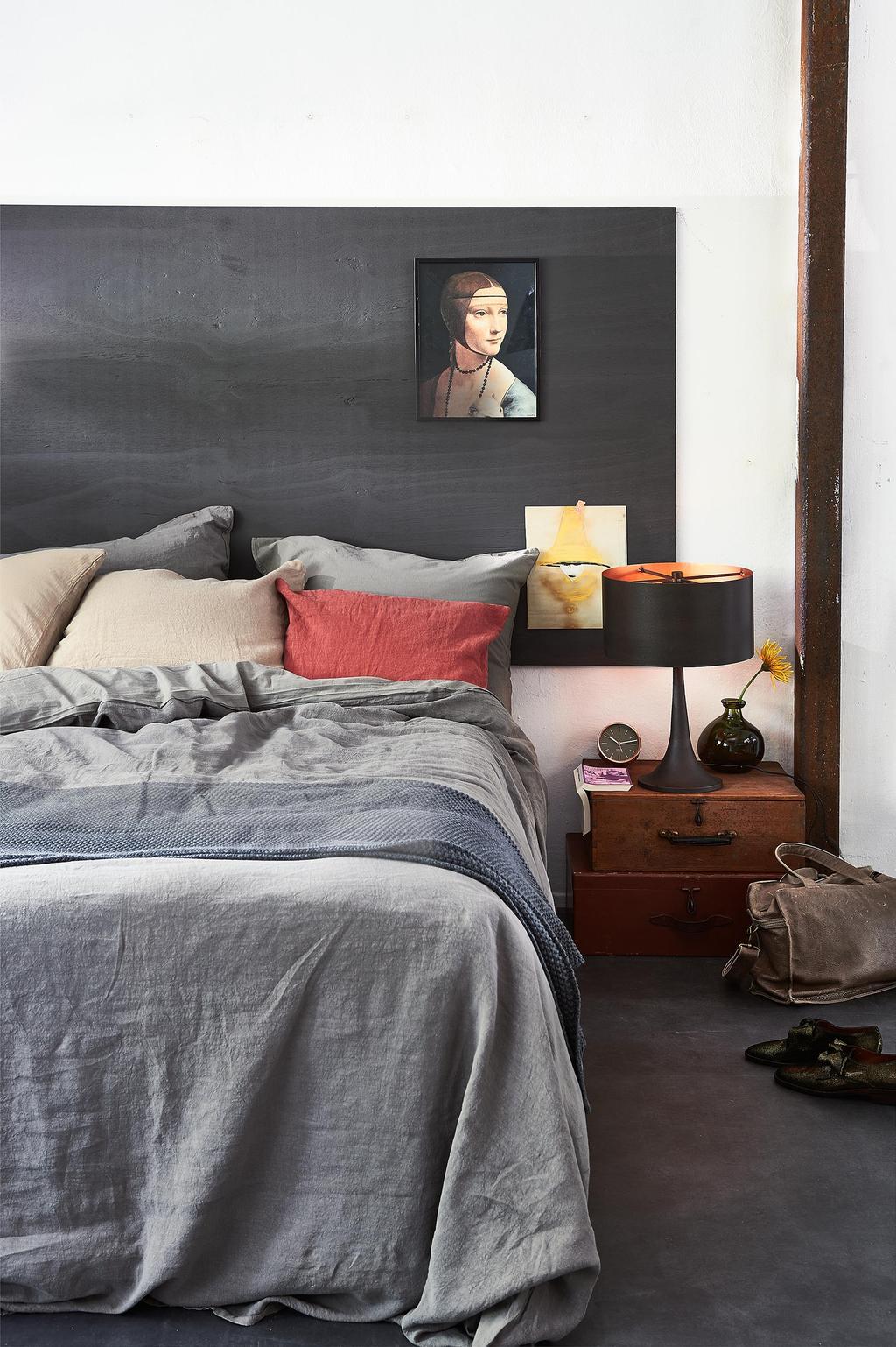 Maak eenvoudig een hoofdbord voor achter het bed