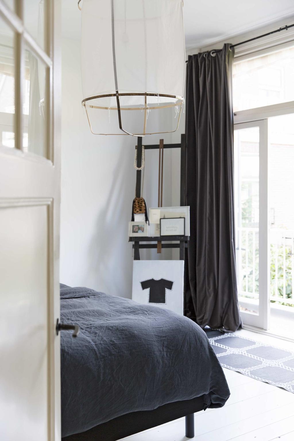 Slaapkamer met gordijnen