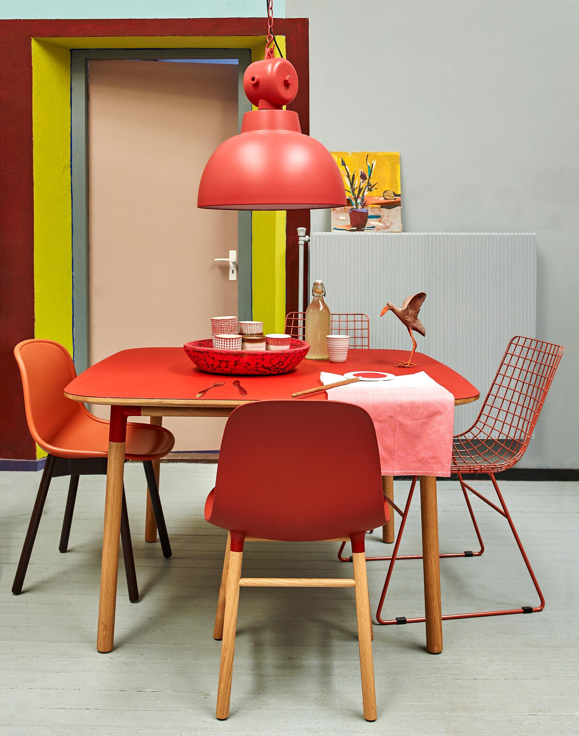 chaises rouges