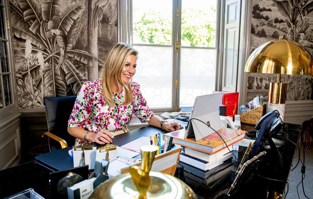 Koningin Máxima in haar werkkamer